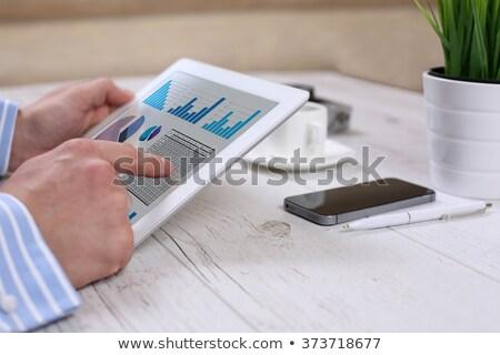デジタル · タブレット · チャート · 現代 · 職場 - ストックフォト © redpixel