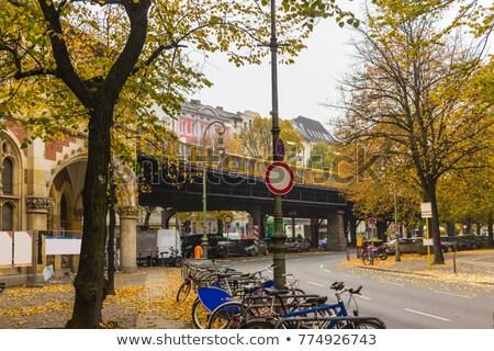 vágány · jel · vasútállomás · vízszintes · város · háttér - stock fotó © amok