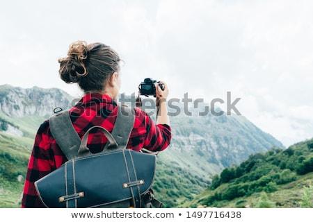 jonge · mannelijke · fotograaf · wandelen · bos · latino - stockfoto © maridav