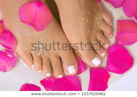 Homme pieds ongles rouges turquoise piscine eau Photo stock © rafalstachura