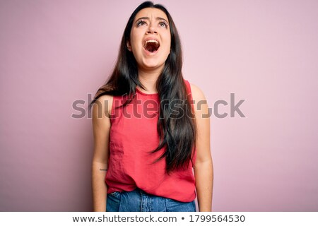 mérges · zaklatott · nő · sikít · sír · portré - stock fotó © dolgachov