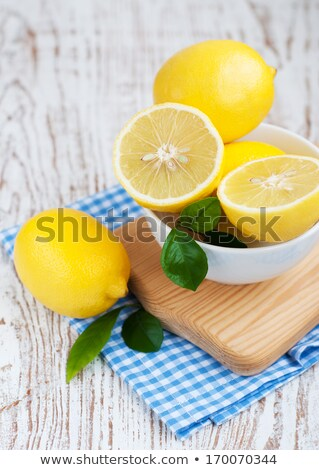 Bowl Of Organic Lemons Foto d'archivio © Es75