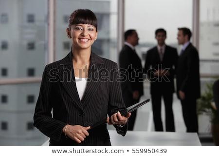Stockfoto: Indian · zakenvrouw · permanente · documenten · hand · corporate