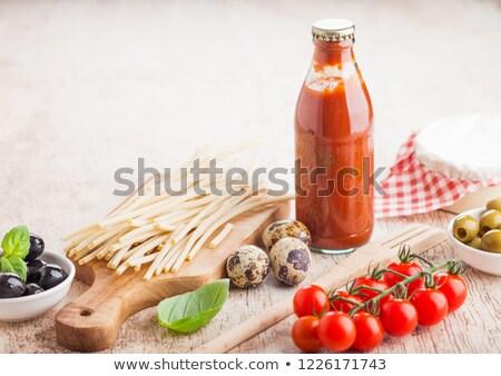 Fraîches organique maison spaghettis pâtes bouteille Photo stock © DenisMArt