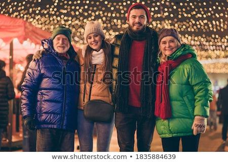 ストックフォト: 家族 · クリスマス · 市場 · 立って · ツリー · ワイン