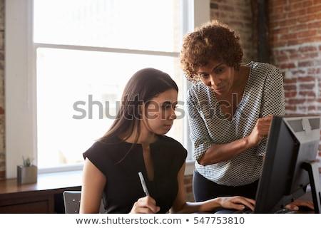 kettő · üzletasszonyok · dolgozik · izolált · lövés · együtt · dolgozni - stock fotó © aremafoto