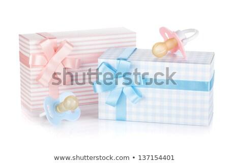 Hediye kutusu emzik küçük kız yalıtılmış beyaz mutlu Stok fotoğraf © karandaev