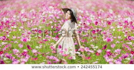 belo · asiático · mulher · flor · cabelo · sorridente - foto stock © stryjek