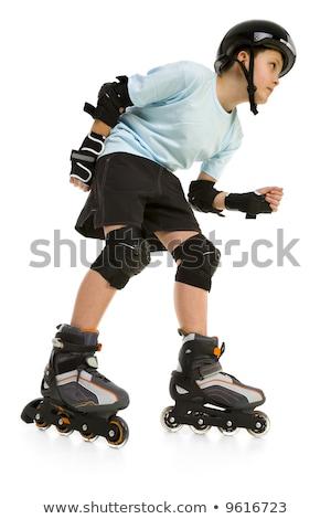 Мальчик на роликах рисуем