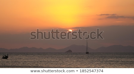 Hermosa puesta de sol océano Tailandia krabi tropicales Foto stock © pzaxe