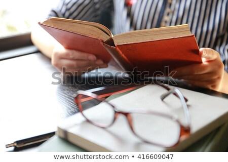 affaires · lecture · livre · travail · acharné · affaires · homme - photo stock © Rugdal