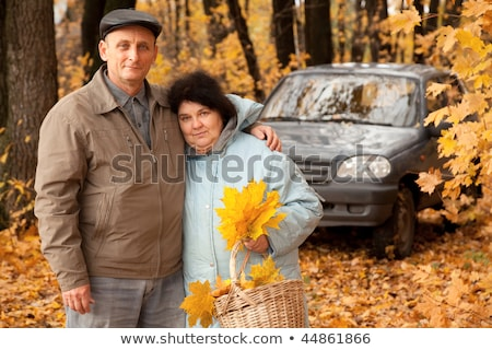 oude · man · oude · vrouw · lopen · bos · mand - stockfoto © Paha_L