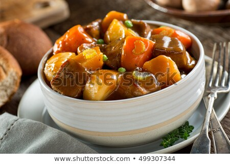 marhapörkölt · krumpli · lassú · hús · paradicsom · főzés - stock fotó © zhekos