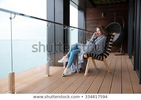 Verlegen vrouw strand zee gezondheid Stockfoto © photography33