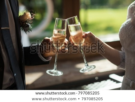 Boda gafas decorado aumentó vidrio restaurante Foto stock © vrvalerian