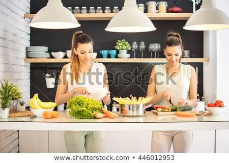 2 女性 サラダ キッチン 食品 笑みを浮かべて ストックフォト © IS2