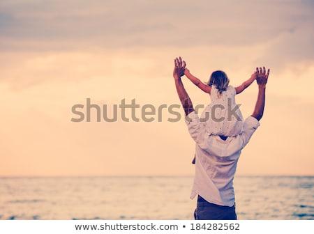 apa · lánygyermek · tengerpart · férfi · boldog · nyár - stock fotó © photography33