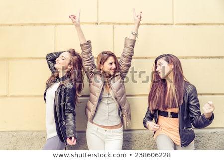 три · улыбаясь · женщины · танцы · пения · караоке - Сток-фото © dolgachov