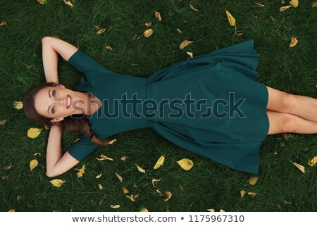 alegre · alegre · sesión · riendo · sofá - foto stock © deandrobot