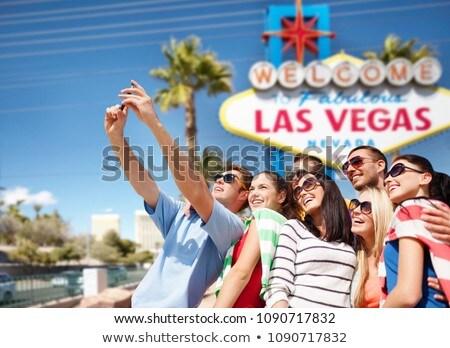 Heureux amis Bienvenue Las Vegas signe tourisme Photo stock © dolgachov