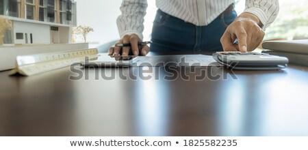 手 · 成熟した · エンジニア · 鉛筆 · 定規 - ストックフォト © pressmaster