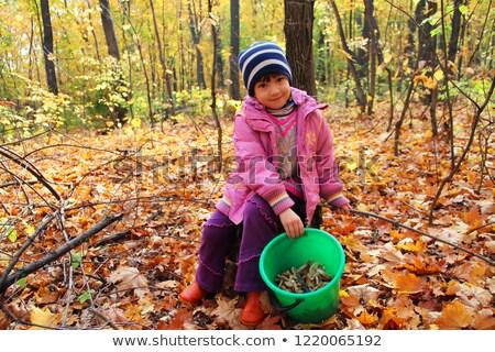 nő · tart · vödör · ruházat · fiatal · boldogtalan - stock fotó © paha_l