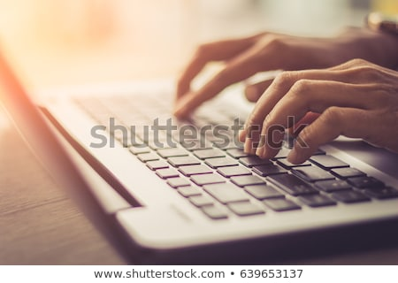 Hand Laptop Business Computer Technologie Stock foto © mblach