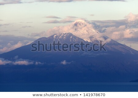 вулкан · Чили · озеро · небе · пейзаж · снега - Сток-фото © benkrut