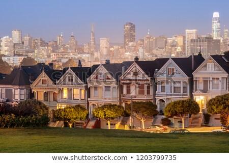 Schemering geschilderd dames San Francisco huizen Stockfoto © yhelfman