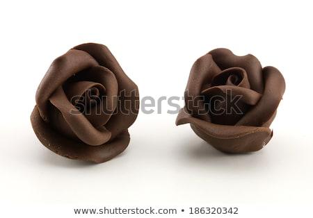 Roses chocolat alliances forme coeur alimentaire Photo stock © bendzhik