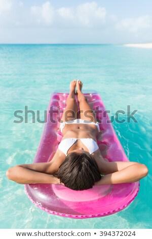 lounge · rosa · ragazza · Caraibi · spiaggia · tropicale - foto d'archivio © lunamarina