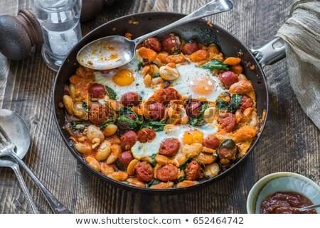 gebakken · bonen · worstjes · voedsel · vlees · lunch - stockfoto © Digifoodstock