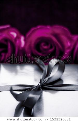 lusso · vacanze · argento · scatola · regalo · viola · rose - foto d'archivio © Anneleven