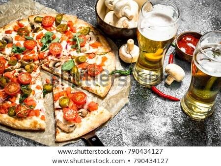 Caliente picante pizza cerveza detalle salami Foto stock © aladin66