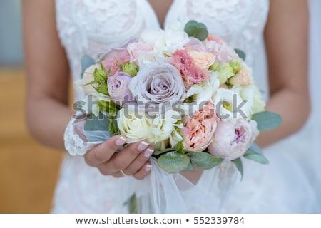 novias · ramo · detalle · novia · boda · día - foto stock © KMWPhotography