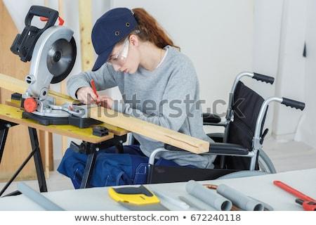 inválido · empresário · computador · datilografia · computador · portátil · isolado - foto stock © photography33