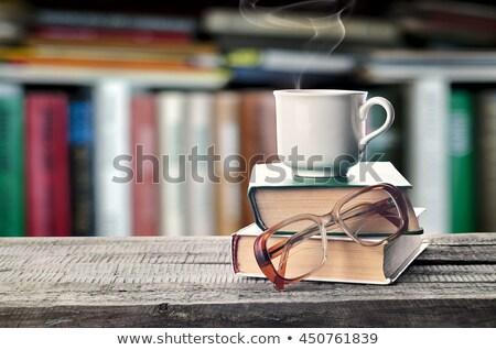 眼鏡 スタック 図書 ライブラリ シェルフ 木材 ストックフォト © wavebreak_media