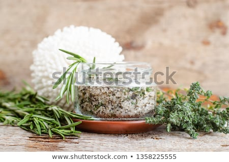 スクラブ · 芳香族の · ローズマリー · 表示 · 海塩 - ストックフォト © klsbear