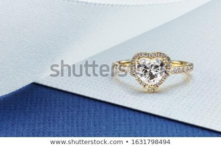 Złota pierścionek z brylantem szkła kamień dar pierścień Zdjęcia stock © njaj