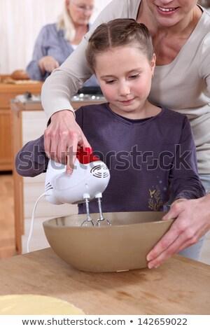 Foto stock: Mujer · ayudar · hija · mano · mezclador · alimentos