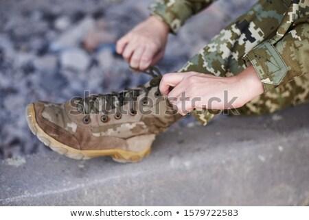 genç · kadın · askerler · poz · silahlar · yalıtılmış · beyaz - stok fotoğraf © grafvision