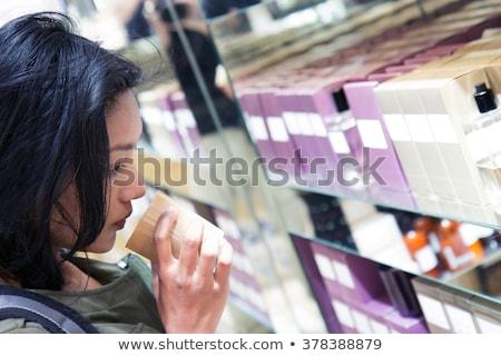 Perfume farmácia compras teste flores garrafa Foto stock © Kzenon