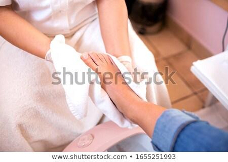 Yıkama ayaklar salon güzellik kırmızı Stok fotoğraf © wavebreak_media