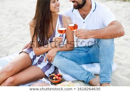 ensalada · aire · libre · comer · terraza · alimentos · vidrio - foto stock © dashapetrenko