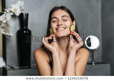 Foto gelukkig vrouw lang donker haar gezonde Stockfoto © deandrobot