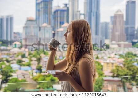 Băuturi cafea dimineaţă balcon mare Imagine de stoc © galitskaya