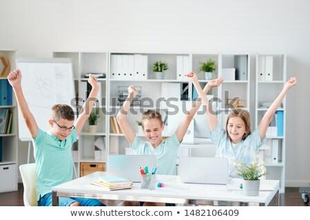 группа · счастливым · Одноклассники · глядя · камеры · девушки - Сток-фото © pressmaster