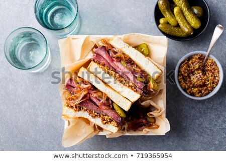 Stockfoto: Heerlijk · clubsandwich · augurken · rundvlees · vers