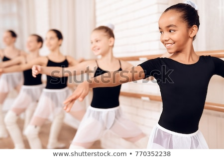 バレリーナ 立って バレエ クラス 画像 少女 ストックフォト © deandrobot