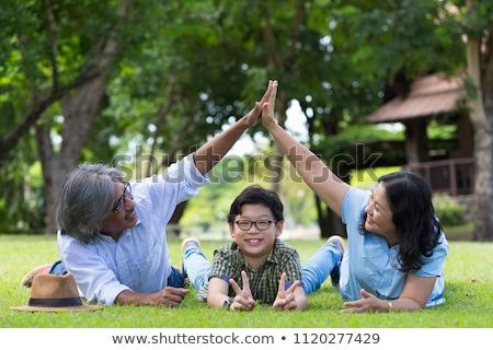 Gelukkig holding handen huis ouderdom accommodatie Stockfoto © dolgachov